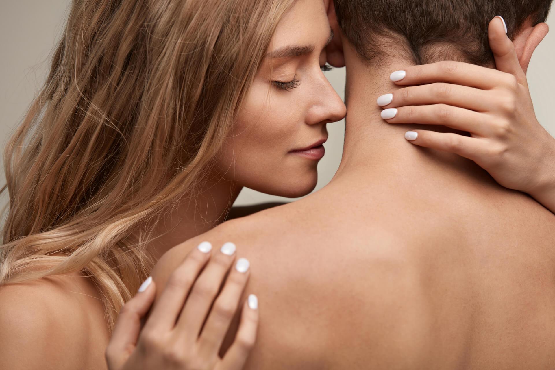woman smell man - men cosmetics