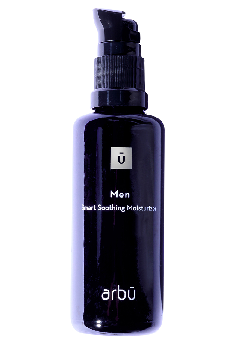 Men's Smart Soothing Moisturizer from arbū. A black pump bottle with white square sign with black U inside and white letters.